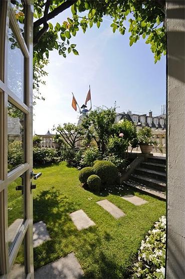Guest Post: Hermès Rooftop Garden | The Secret Garden